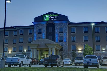 Hotel Front - Evening/Night | Holiday Inn Express & Suites Paris, Texas