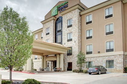 Hotel Front | Holiday Inn Express & Suites Paris, Texas