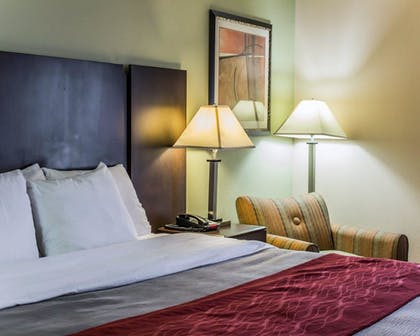 Guestroom | Quality Inn Raleigh Downtown