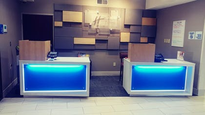 Hotel Interior | Holiday Inn Express & Suites Olathe South