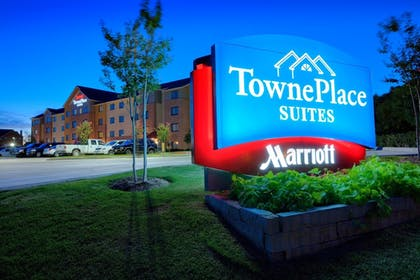 Hotel Front - Evening/Night | TownePlace Suites by Marriott Dallas Lewisville