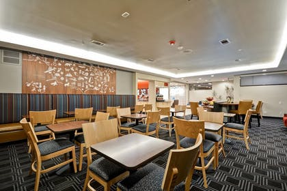 Restaurant | TownePlace Suites by Marriott Dallas Lewisville