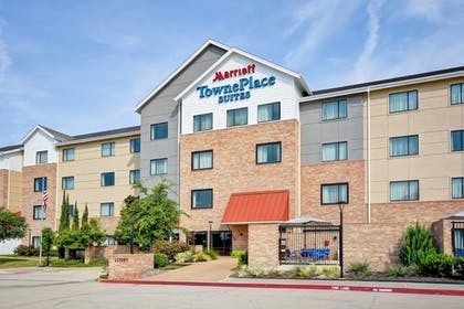 Exterior | TownePlace Suites by Marriott Dallas Lewisville