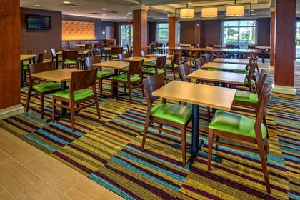 Restaurant | Fairfield Inn & Suites by Marriott Naples