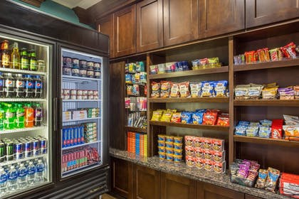 Snack Bar | TownePlace Suites by Marriott Tucson Airport