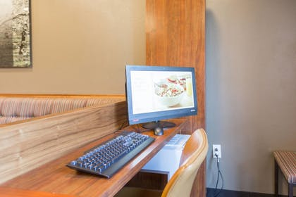Business Center | TownePlace Suites by Marriott Winchester