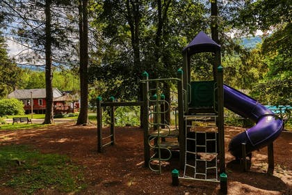 Childrens Play Area - Outdoor | Woodwards Resort