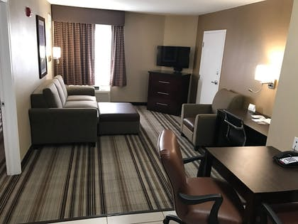 Living Area | Best Western Plus Crawfordsville Hotel