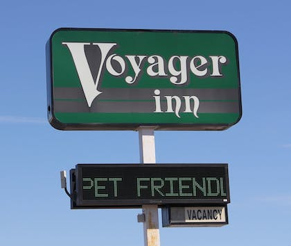 Hotel Front | Voyager Inn