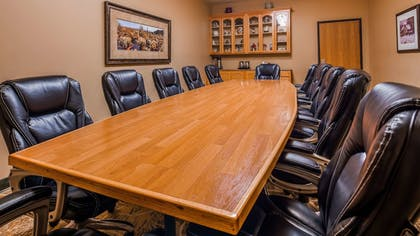 Meeting Facility   Best Western Plus Swiss Chalet Hotel & Suites