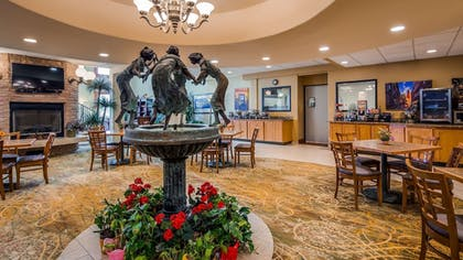 Breakfast Area | Best Western Plus Swiss Chalet Hotel & Suites