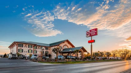 Featured Image   Best Western Plus Swiss Chalet Hotel & Suites