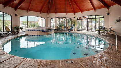 Pool | Best Western Plus Swiss Chalet Hotel & Suites