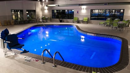 Pool   Holiday Inn Express Hotel & Suites Williamsport