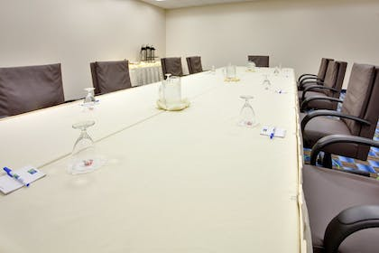 Meeting Facility   Holiday Inn Express Hotel & Suites Williamsport