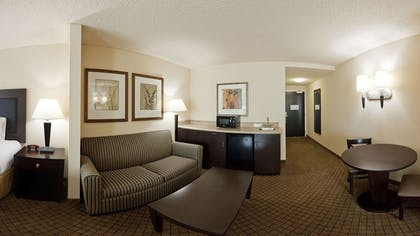 Living Room | Holiday Inn Express & Suites Newberry