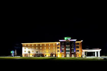 Exterior | Holiday Inn Express & Suites Newberry