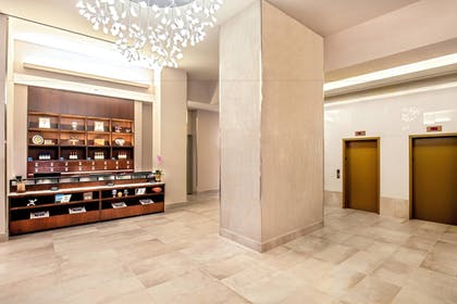 Lobby | Four Points by Sheraton Midtown-Times Square