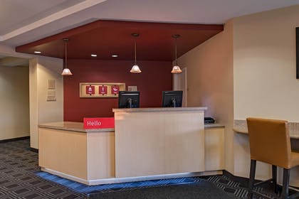 Lobby   TownePlace Suites Fayetteville Cross Creek