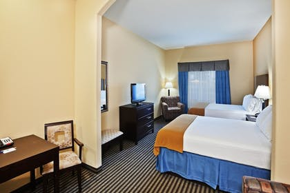 Guestroom | Holiday Inn Express Hotel & Suites Okmulgee