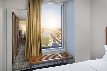 Guestroom   SpringHill Suites by Marriott Indianapolis Downtown