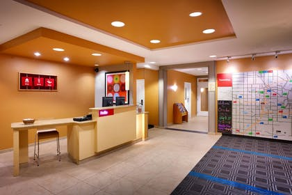 Lobby | TownePlace Suites by Marriott Omaha West