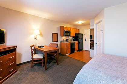 Guestroom | Candlewood Suites Pearland