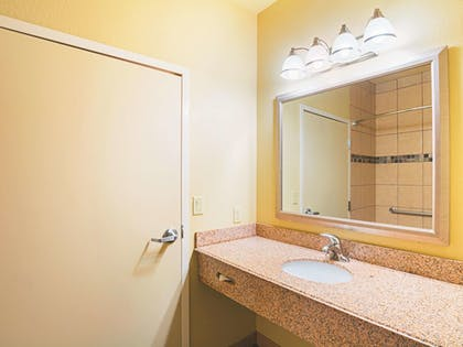 Bathroom | La Quinta Inn & Suites by Wyndham Ft. Worth - Forest Hill TX