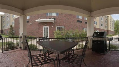 BBQ/Picnic Area | Candlewood Suites FLOWOOD, MS