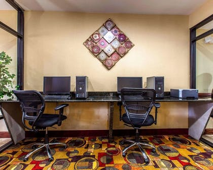 Business Center | Comfort Suites Waycross