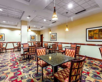 Breakfast Area | Comfort Suites Waycross