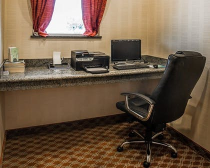 Business Center | Comfort Inn Farr West