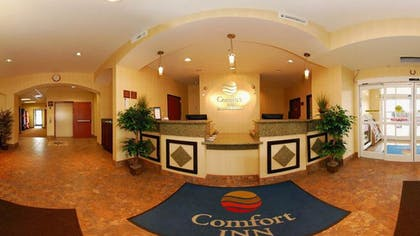 Reception | Comfort Inn Farr West