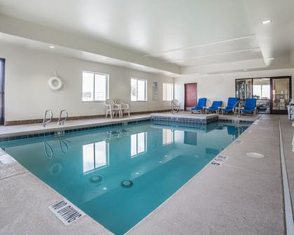 Pool | Comfort Inn Farr West