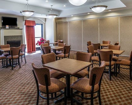 Breakfast Area | Comfort Inn Farr West