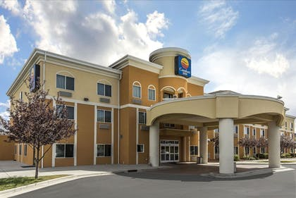 Featured Image | Comfort Inn Farr West