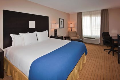 Guestroom | Holiday Inn Express Hotel & Suites Albuquerque Airport