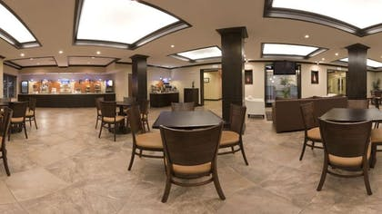 Breakfast Area | Holiday Inn Express Hotel & Suites Albuquerque Airport