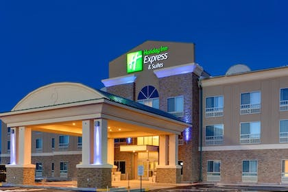 Featured Image | Holiday Inn Express Hotel & Suites Grants - Milan