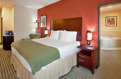 Guestroom | Holiday Inn Express & Suites Guthrie