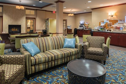 Lobby Sitting Area | Holiday Inn Express Hotel & Suites NORTH SEQUIM