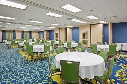 Ballroom | Holiday Inn Express Hotel & Suites NORTH SEQUIM