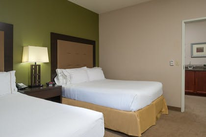 Room | Holiday Inn Express Hotel & Suites NORTH SEQUIM