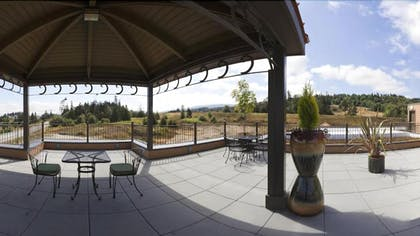 Terrace/Patio | Holiday Inn Express Hotel & Suites NORTH SEQUIM