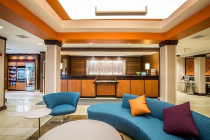 Lobby | Fairfield Inn & Suites by Marriott Portsmouth Exeter