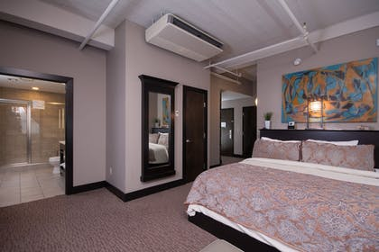 Guestroom   The Giacomo, An Ascend Hotel Collection Member