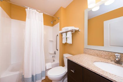 Guestroom | TownePlace Suites by Marriott Huntington