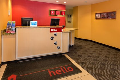 Lobby | TownePlace Suites by Marriott Huntington
