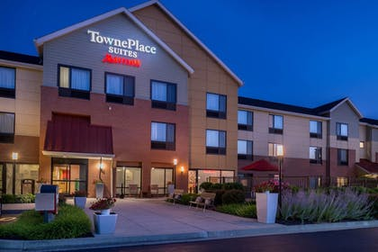 Exterior | TownePlace Suites by Marriott Huntington