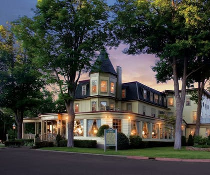 Featured Image | Stafford's Bay View Inn